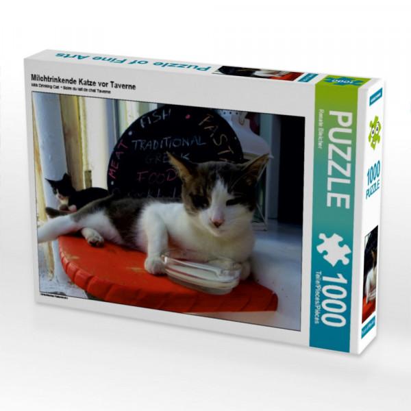 Puzzle Milchtrinkende Katze vor Taverne